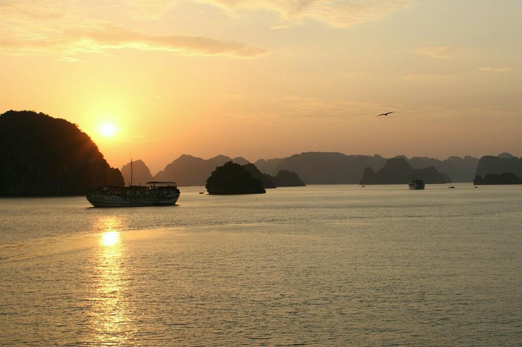 Sonnenaufgang Ha Long Bucht
