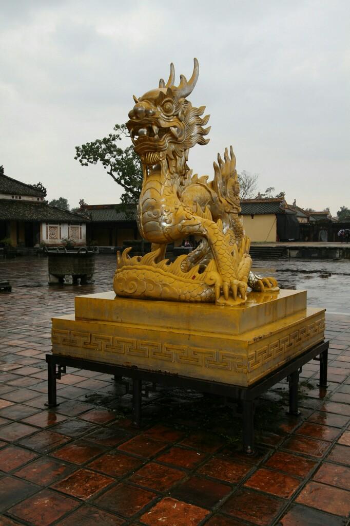Drachenfigur, Kaiserstadt Hue
