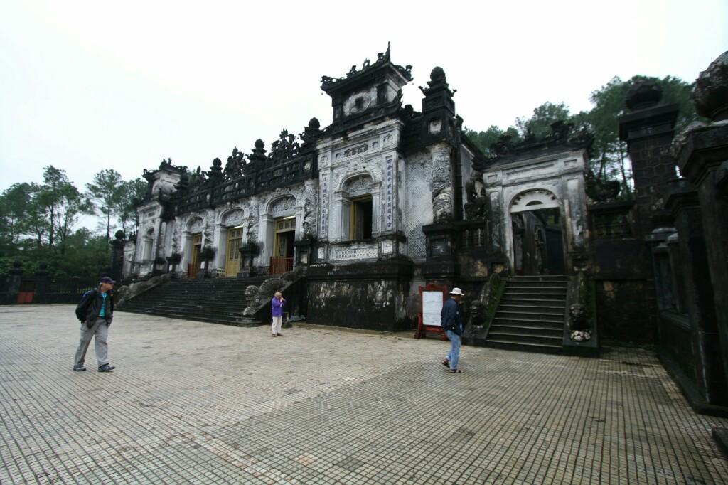 Thien Dinh Palast, Khai Dinh Kaisergrab