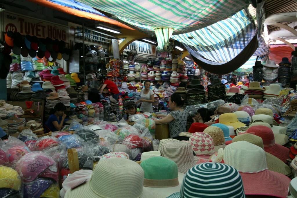 Hüte und Mützen, Cho Binh Tay Markt
