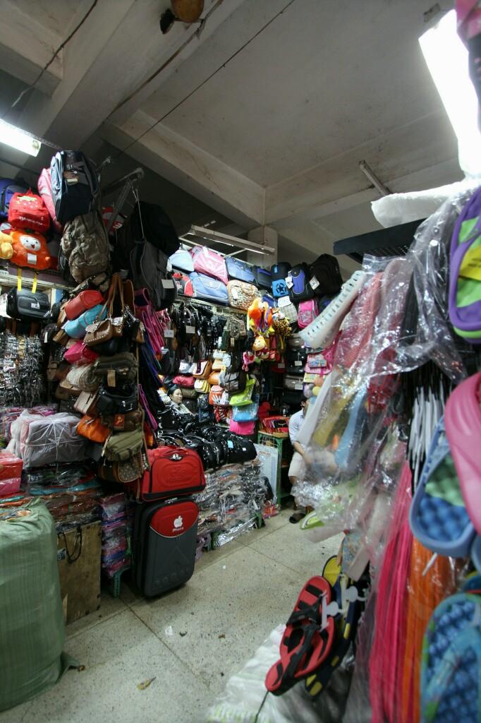 Taschen, Cho Binh Tay Markt
