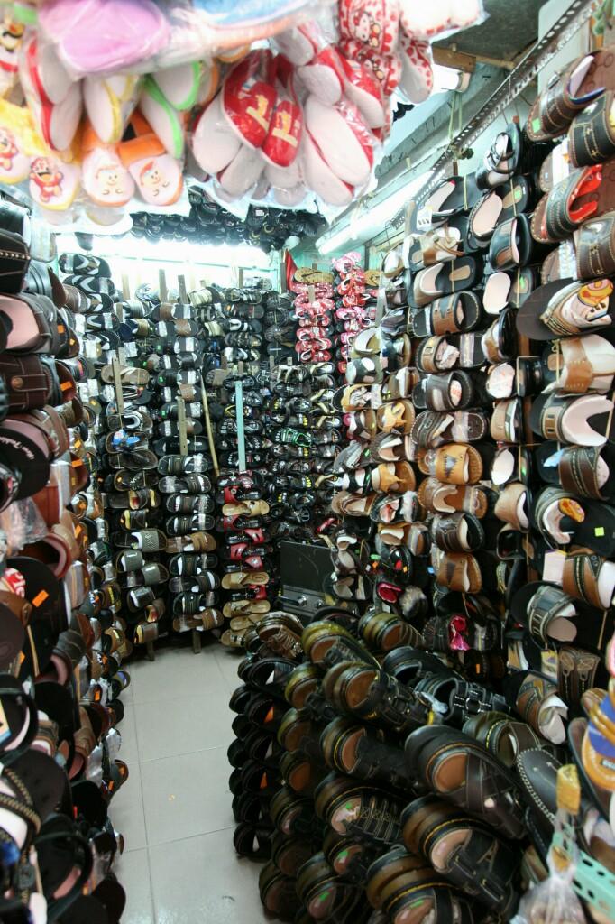 Schuhe, Cho Binh Tay Markt