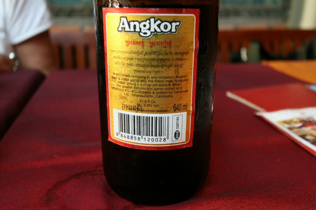 Angkor Bier in großen Flaschen